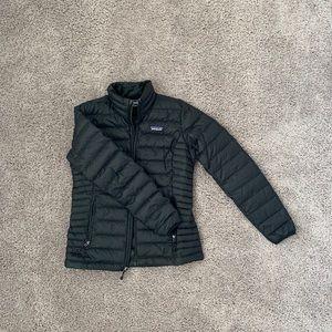 black womens patagaonia coat